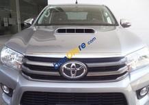 Bán Toyota Hilux năm 2015, màu bạc đã đi 5000 km
