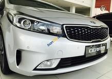 Bán ô tô Kia Cerato sản xuất 2016 màu bạc, trả góp chỉ 250tr