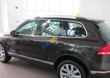 Dòng Suv nhập Đức Volkswagen Touareg 3.6l GP đời 2016, màu nâu. Tặng 100% thuế trước bạ+ BH 2 chiều. 0902.608.293