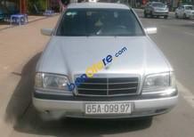 Cần bán lại xe Mercedes C200 đời 2009, màu bạc, nhập khẩu chính hãng
