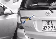 Cần bán xe Toyota Innova 2.0E đời 2015, màu bạc như mới, giá 785tr