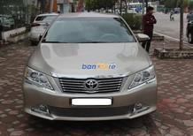 Cần bán xe Toyota Camry 2.0E sản xuất 2013, chính chủ giá cạnh tranh
