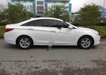 Bán Hyundai Sonata đời 2010, màu trắng, nhập khẩu chính hãng xe gia đình giá cạnh tranh