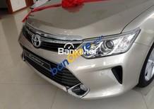 Cần bán xe Toyota Camry 2.5G đời 2017, màu bạc