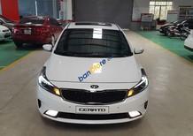 Cần bán xe Kia Cerato 1.6 AT sản xuất 2017, màu trắng