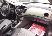 Bán xe Chevrolet Cruze LS, số sàn, màu bạc