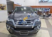Cần bán Toyota Fortuner năm 2017, màu xám