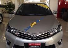 Cần bán xe cũ Toyota Corolla altis 2.0V đời 2015, màu bạc, 900 triệu
