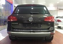 Bán gấp VW Touareg đã đăng ký 2017 màu xám