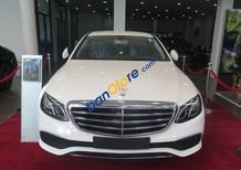 Cần bán xe Mercedes E200 AT đời 2017, màu trắng, xe nhập