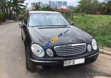 Cần bán gấp Mercedes E class đời 2005, màu đen ít sử dụng, 520 triệu