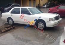 Bán Toyota Crown đời 1995, màu trắng, xe nhập như mới, giá tốt