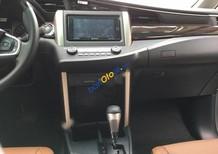 Bán ô tô Toyota Innova 2.0V đời 2017, giá tốt