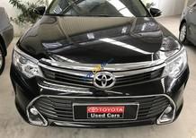 Cần bán xe Toyota Camry 2.0E đời 2016, màu đen, chạy lướt