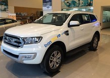 Cần bán Ford Everest Titanium 3.2L 4x4 AT đời 2017, màu trắng, nhập khẩu
