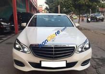 Cần bán lại xe Mercedes E200 đời 2014, màu trắng số tự động
