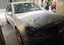 Bán ô tô Mercedes E200 đời 2004, màu bạc