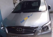 Cần bán xe Toyota Innova đời 2013, màu bạc giá cạnh tranh