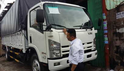 Dai ly dang co san xe tai isuzu 82 tan thung bat doi 2016 Xe tai isuzu 82 tan thung bat 7m1
