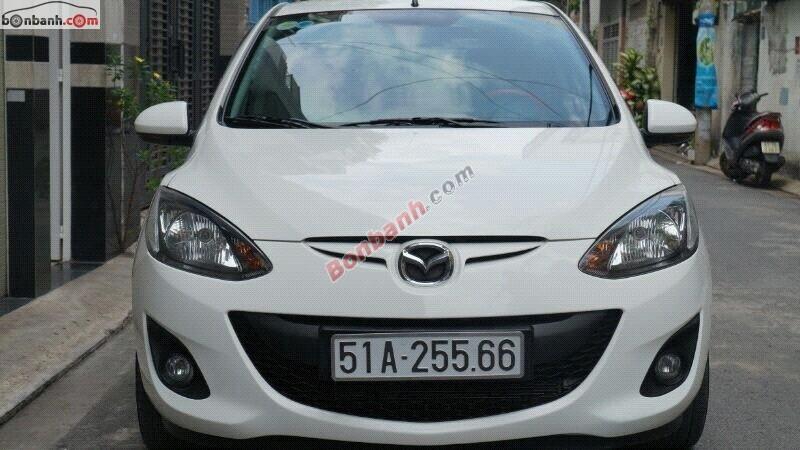 Bán xe Mazda 2 đời 2011, màu trắng, nhập khẩu chính hãng, số tự động