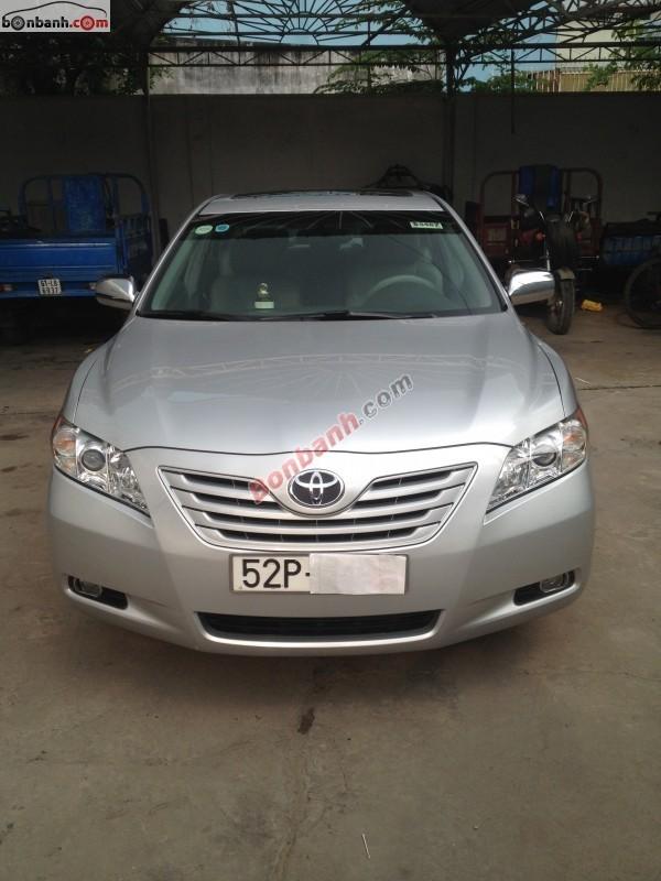 Bán Toyota Camry LE sản xuất 2008, màu bạc, nhập khẩu chính hãng, xe gia đình