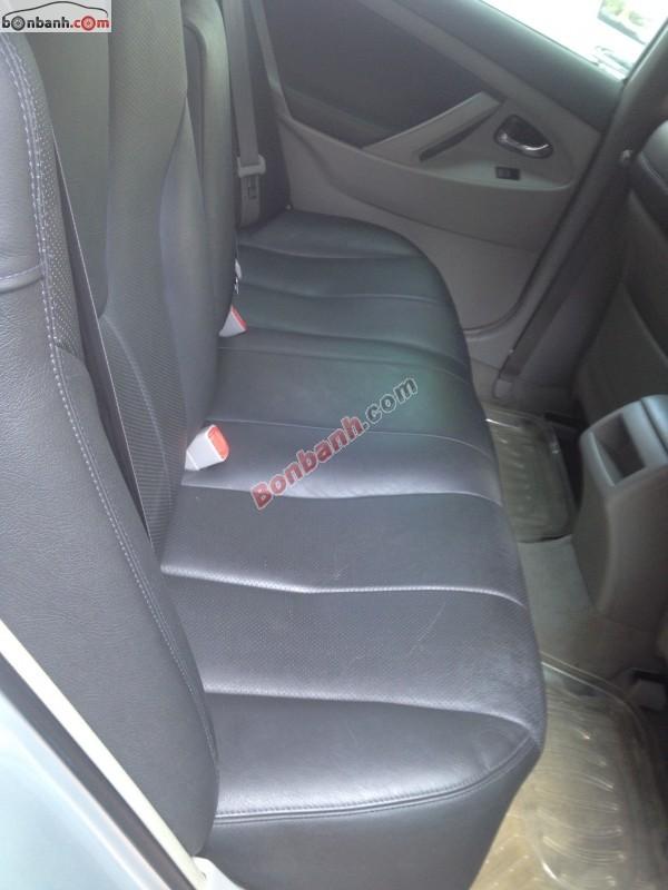 Bán xe Toyota Camry LE đời 2007, màu bạc, nhập khẩu chính hãng, số tự động, 790 triệu
