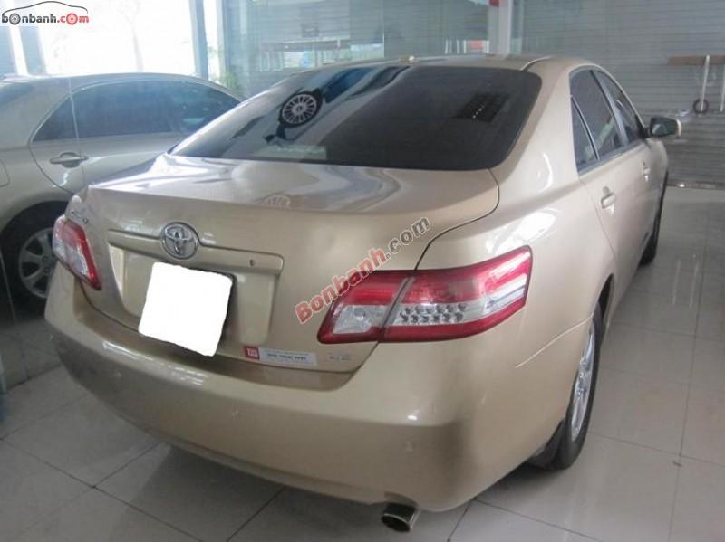 Ô tô Trúc Anh bán xe Toyota Camry LE đời 2010, màu vàng, nhập khẩu nguyên chiếc, chính chủ