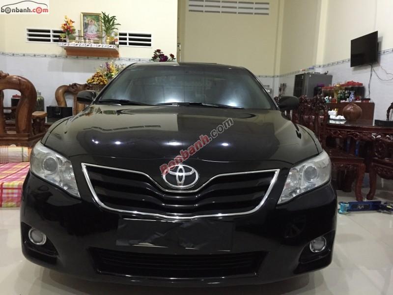 Cần bán xe Toyota Camry LE 2.5 sản xuất 2009, màu đen, nhập khẩu, số tự động