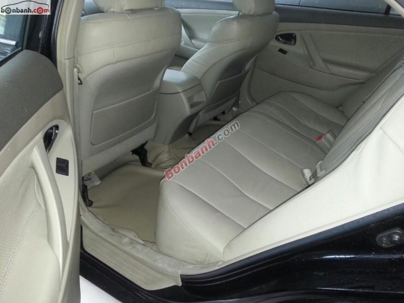 Cần bán gấp Toyota Camry LE đời 2007, màu đen, xe nhập, còn mới, giá 825tr
