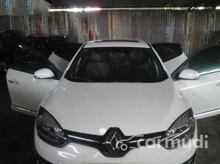 Cần bán lại xe Renault Megane AT năm 2015, màu trắng đã đi 23000 km, 830tr