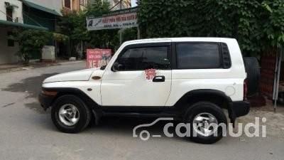 Cần bán Ssangyong Korando MT đời 2001, màu trắng, nhập khẩu nguyên chiếc đã đi 80000 km
