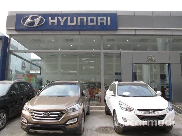 Xe Hyundai Accent 2015 mới màu đen. Sử dụng động cơ 1.4 Kappa cùng một số thay đổi ở thiết kế