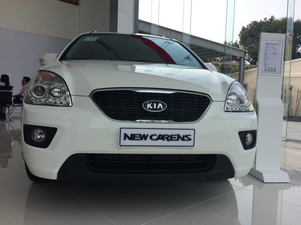 Chi nhánh Tây Ninh cần bán Kia Carens đời 2015, màu trắng