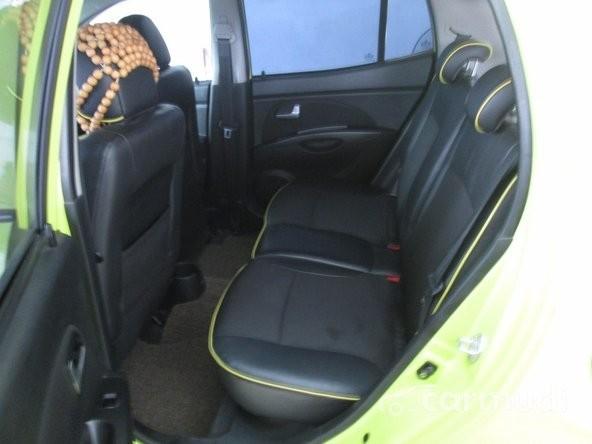 Cần bán Kia Morning đời 2010, màu xanh lá, nhập khẩu