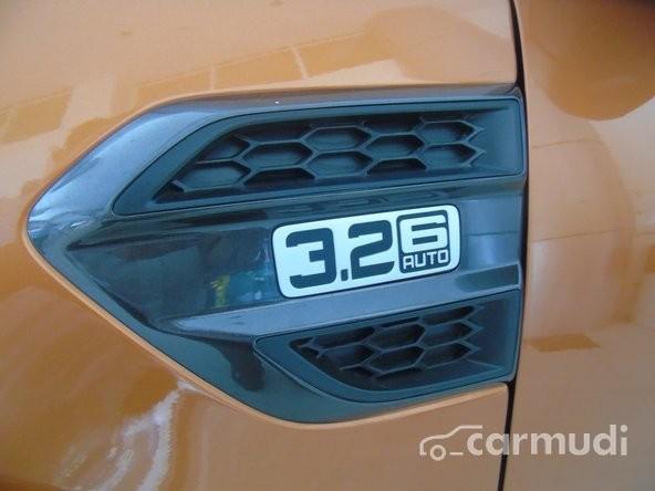 Bán Ford Ranger Wildtrak 4x4 3.2 AT đời 2015, màu vàng