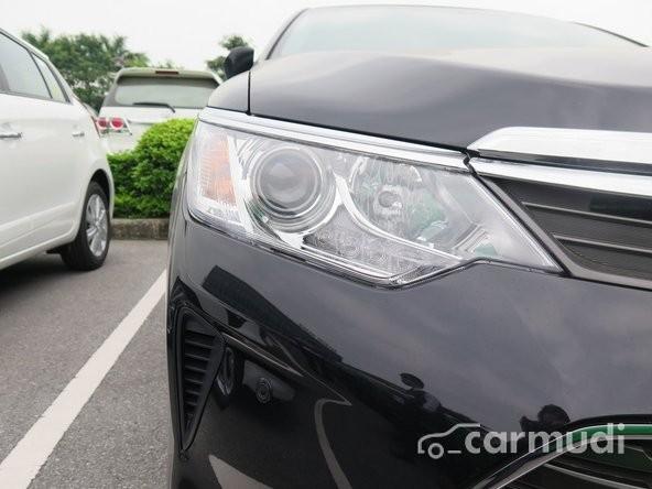 Bán xe Toyota Camry 2.5Q đời 2015, màu đen