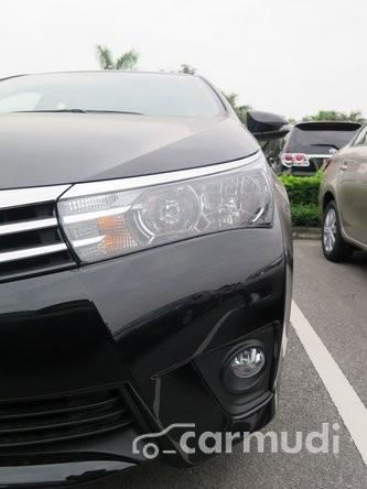 Bán xe Toyota Corolla altis 1.8G  AT sản xuất 2015, màu đen, giá 848tr