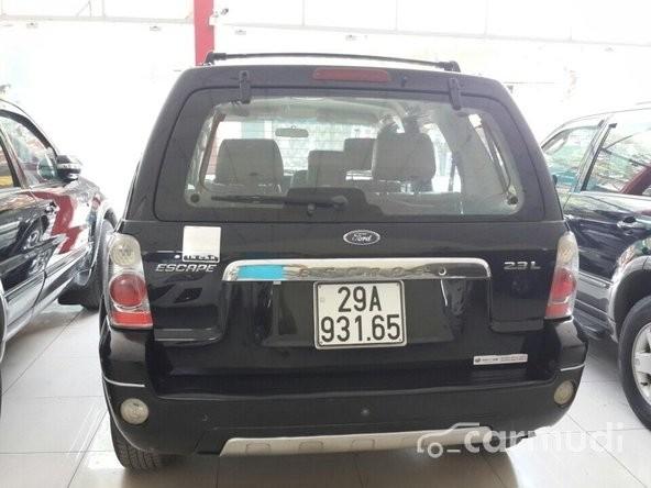 Bán ô tô Ford Escape AT đời 2005, màu đen đã đi 65000 km, 345 triệu