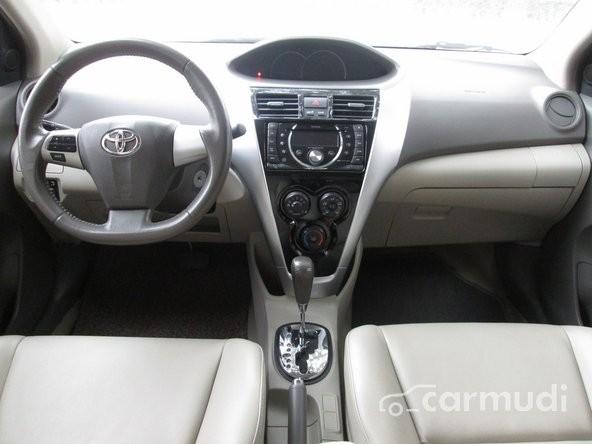 Cần bán xe Toyota Vios đời 2012, màu đen