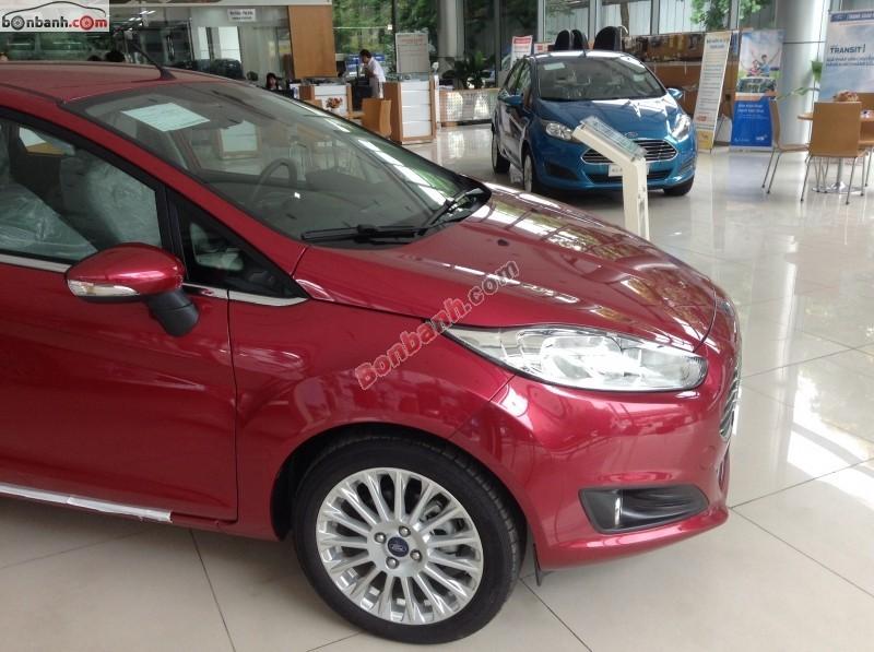 Cần bán xe Ford Fiesta đời 2015, màu đỏ, giá bán 568Tr
