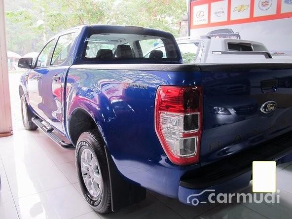 Bán Ford Ranger XLS đời 2013, màu xanh lam, 575tr