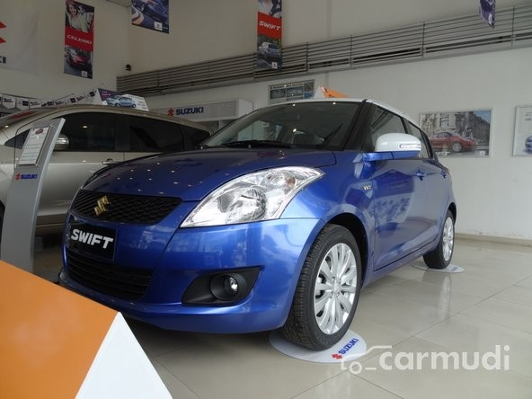 Bán Suzuki Swift 1.4L AT đời 2015, giá 565tr