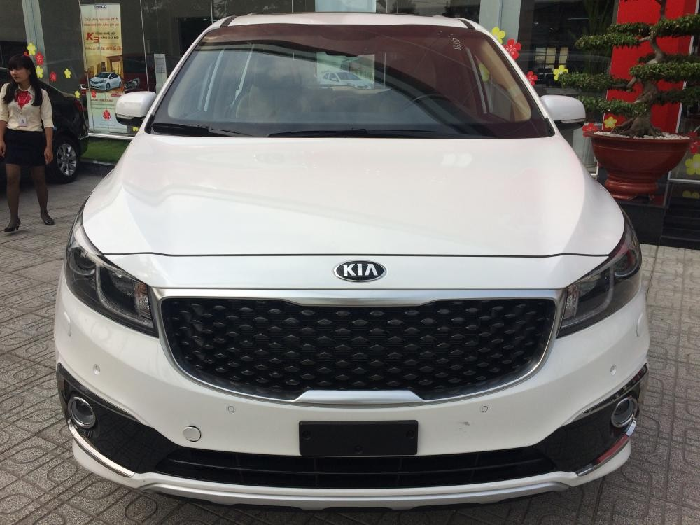 Cần bán xe Kia Sedona đời 2015, màu trắng, nhập khẩu chính hãng