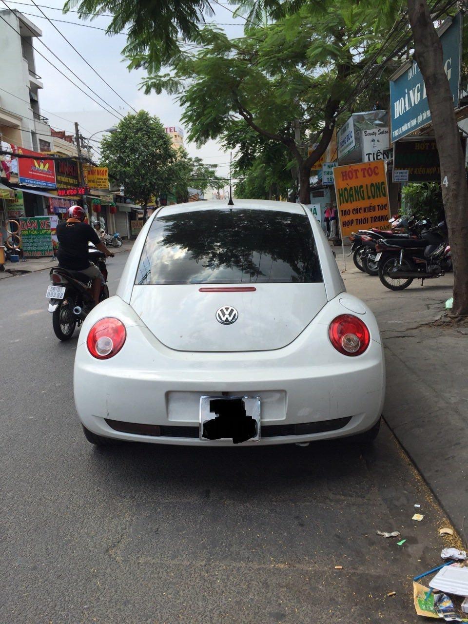 Bán xe Volkswagen Beetle sản xuất 2010, màu trắng, nhập khẩu chính chủ