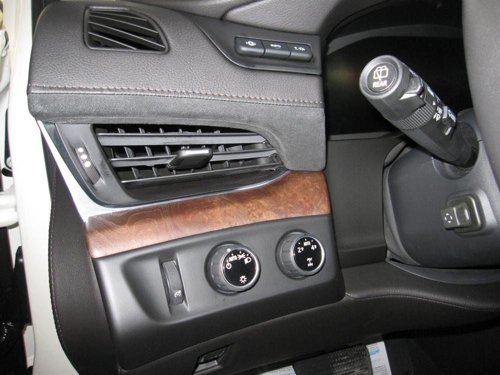 Cần bán Cadillac Escalade ESV Premium đời 2015, màu trắng, nhập khẩu chính hãng