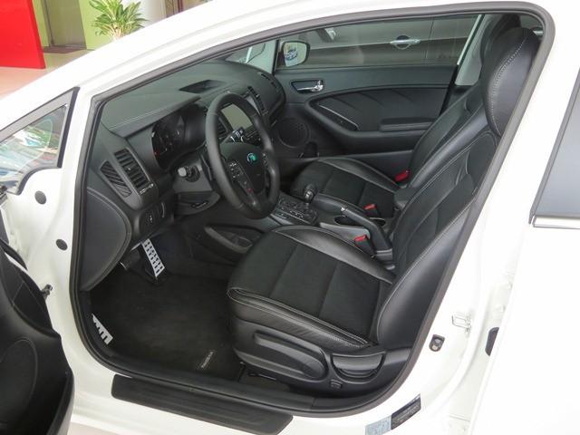 Bán ô tô Kia K3 2.0 AT sản xuất 2016, màu trắng, 670 triệu