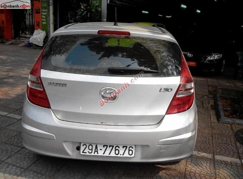 Bán Hyundai i30 AT năm 2009, màu bạc, xe 1 chủ sử dụng từ mới tinh chất lượng nguyên bản