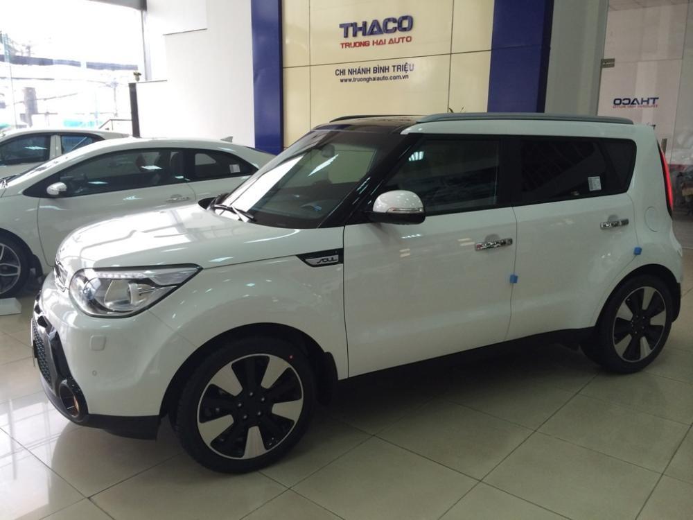 Cần bán Kia Soul đời 2015, màu trắng, nhập khẩu chính hãng, giá 798tr
