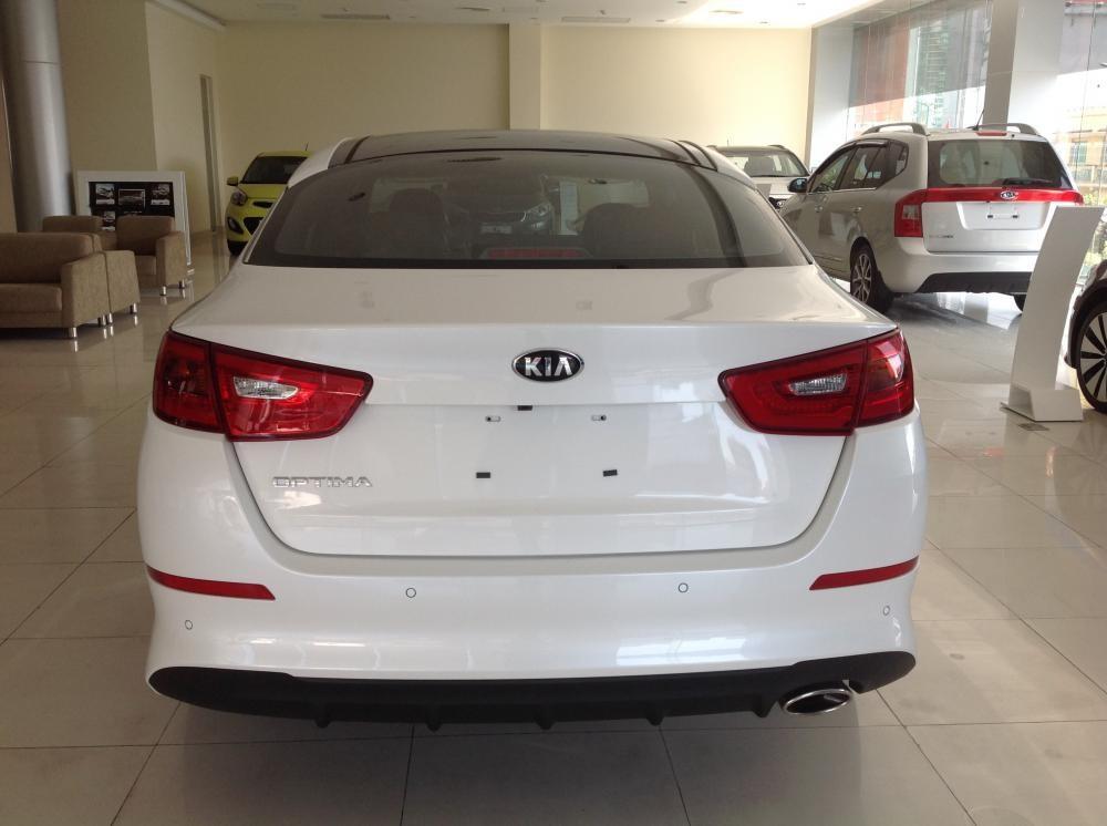 Cần bán xe Kia Optima 2.0 AT đời 2015, màu trắng, xe nhập