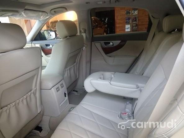 Bán xe Infiniti QX70 3.7L AT đời 2015, màu đen, nhập khẩu nguyên chiếc